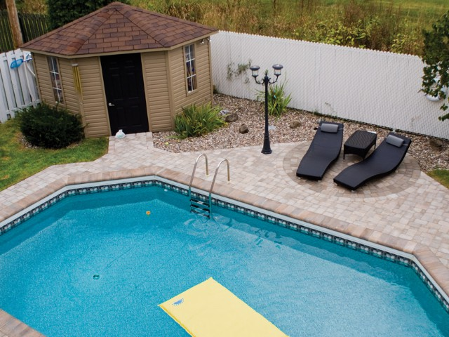 Pool with Unistone Pavers & Bull Nose